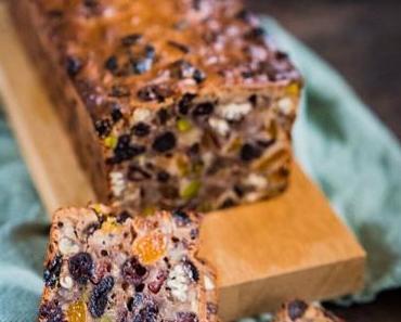 Weihnachtliches Früchtebrot mit Nüssen im Food Blogger Adventskalender [Enthält Werbung und Gewinnspiel]