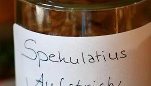 Spekulatius-Aufstrich selbstgebackenen Dinkel-Gewürz-Spekulatius