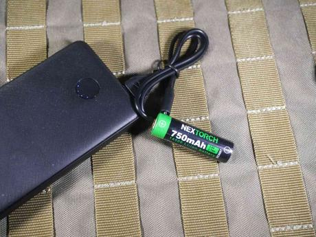 Nextorch TA15 - Akku via USB an der Powerbank