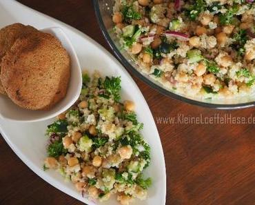 Quinoa-Salat mit Kichererbsen und Gurke