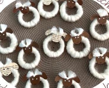 Frühling und Ostern: Die Schafe sind los – oder –  DIY: Schäfchen zum Aufhängen