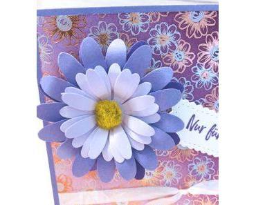 2. Karte basteln mit Blütenglanz