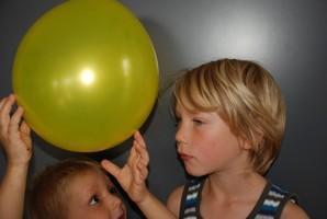 """Anziehender"" Luftballon"