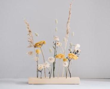 DIY Trockenblumen-Display aus Holz selber machen