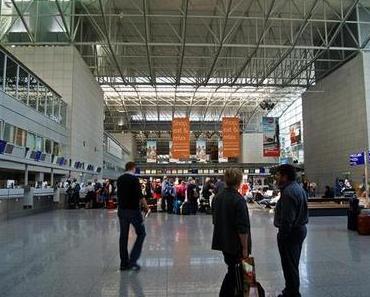 Tag 1: Rheine - Frankfurt - Moskau - Hanoi - Ha Long (+ Tag 2, 3)