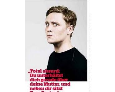 """What a Man"" - Regie-Debütant Schweighöfer im ""Red Bulletin"""
