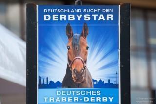 Bilder vom Deutschen Traber Derby in Berlin