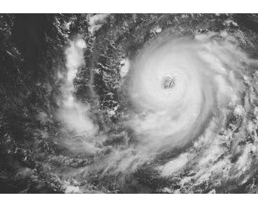 Atlantik aktuell: Hurrikan IGOR jetzt Kategorie 2 Saffir-Simpson & Tropischer Sturm JULIA macht sich auf den Weg