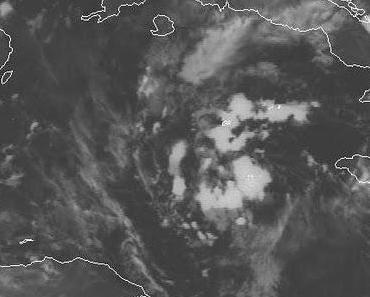 Atlantik aktuell: Tiefdruckgebiet 92L (pot. Tropensturm KARL) wird starke Regenfälle ueber Kuba, Jamaika, Yucatán und den Cayman Islands verursachen