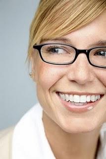 Die brille oft modisches accessoire für immer mehr menschen ebenso