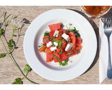 Tomaten & Wassermelonen Salat mit Feta Käse und Minze