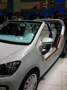 iaa 2011 vw up cabrio cross gt elektroauto e up. Black Bedroom Furniture Sets. Home Design Ideas