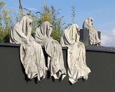 Die Wächter der Zeit von Kielnhofer wurden zerstört: Kulturveranstalter LIVA Linz behandelt Kunst wie Sperrmüll