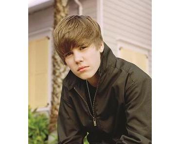 """Justin Bieber präsentiert Weihnachtsalbum """"Under The Mistletoe"""" + erhält den BAMBI 2011"""