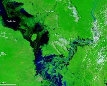 Cambodia: Tonle Sap full to the brim, but still expanding.