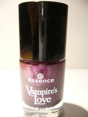 Swatch | Essence Vampires Love LE | Nagellack No.03 True Love
