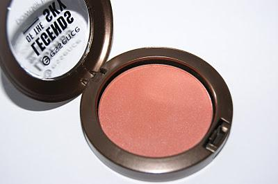 Essence Legends of the Sky powder Blush