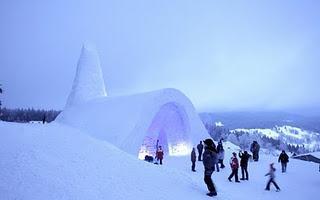 Eisiges Gotteshaus: Schneekirche im Bayerischen Wald lockt tausende Besucher