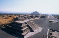 Kunstvolle Opfergaben in Mexikos Sonnenpyramide entdeckt