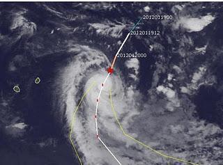 Zyklon ETHEL befindet sich als Hurrikan bei Rodrigues