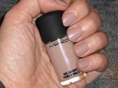 MAC Daphne Guinness LE - NOTD