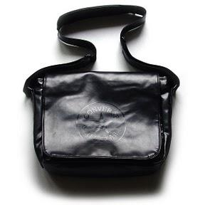 Converse Tasche – Shoulder Flap Bag – Laptoptasche schwarz Monochrome