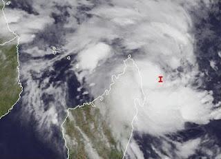 System 92S bei Madagaskar wird voraussichtlich zum Zyklon IRINA - Mauritius nicht in Gefahr