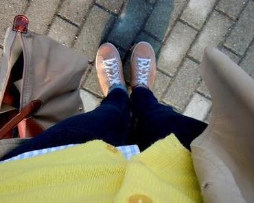 Outfit: all yellow