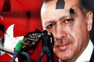 Erdogan ist eine Schande und ein Verbrecher!
