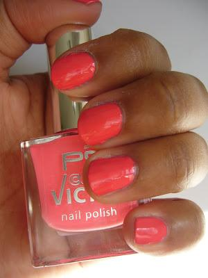 Swatch | P2 Nagellack | Nail Polish | 630 Passion