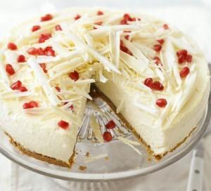 Torte mit weißer Schokolade.