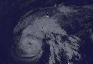 Taifunsaison 2012 aktuell: Taifun SANVU zieht seine vorhergesagte Bahn