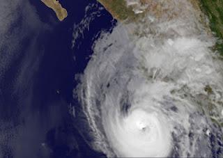 Hurrikan BUD bleibt nahe Kategorie 3