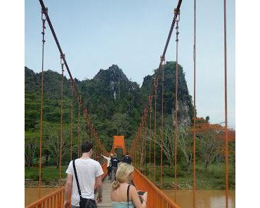 """weiter mit dem """"Stray"""" Bus nach Vientiane"""