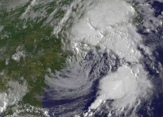 BERYL wieder über Wasser - und fast wieder ein Tropischer Sturm