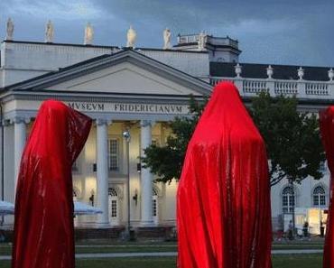 Contemporary public art show Time guards Manfred Kielnhofer Documenta 13 Kassel