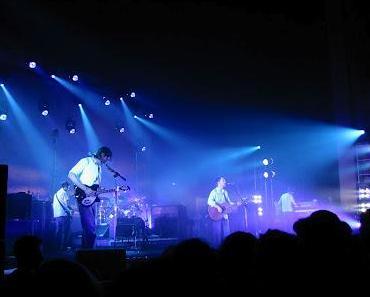 Ein Toter: Konzertbühne bricht vor Radiohead Auftritt zusammen