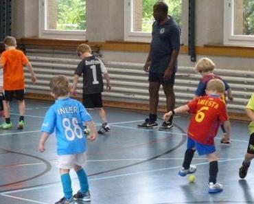 World United Football Academy: Spielfreude und Kameradschaft