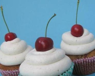 Cupcake EM 2012: Kama-Kirsch Cupcakes (Estland)