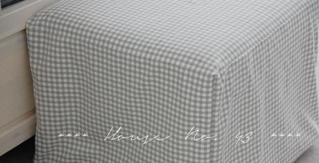 husse f r den hocker new dress for the stool. Black Bedroom Furniture Sets. Home Design Ideas