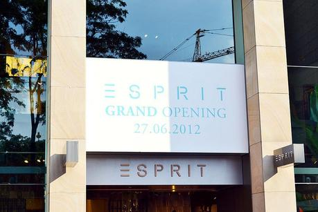 esprit concept store opening d sseldorf. Black Bedroom Furniture Sets. Home Design Ideas