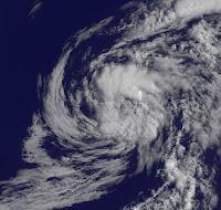 Ex-Tropischer Sturm DEBBY jetzt als Rainmaker bei Bermuda