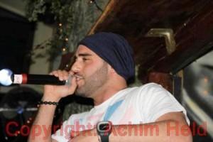 Hamed Anousheh kündigt ersten Song seines Albums an