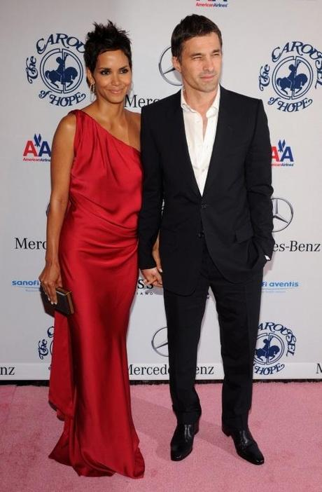 Actress Halle Berry and boyfriend Olivier Martinez arrive at the 32nd anniversary Carousel of Hope Ball in Beverly Hills, California on October 23, 2010. The ball benefits The Barbara Davis Center for Childhood Diabetes.  UPI/Jim Ruymen Photo via Newscom