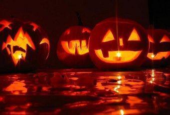 Happy Halloween mit Kürbissuppe
