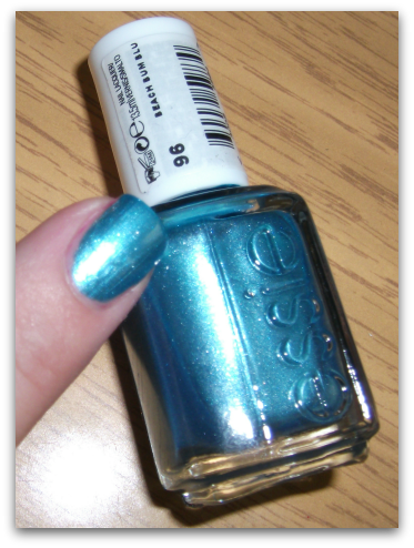 essie (96) Beach Bum Blu