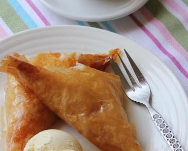 Muhallebili Muska Tatlisi (Dreieck-Baklava mit Pudding)