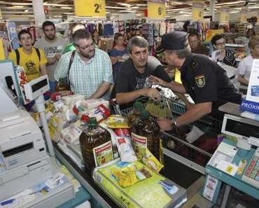 """Protest: Erneute """"Enteignung"""" von Lebensmitteln im Supermarkt"""