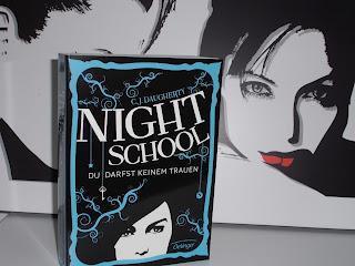 Rezension: Night School Band 1 von C.J. Daugherty