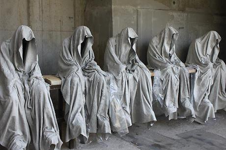 A new Facebook / Sculpture record 535 share it and 1366 like it for the Time guards by Manfred Kielnhofer